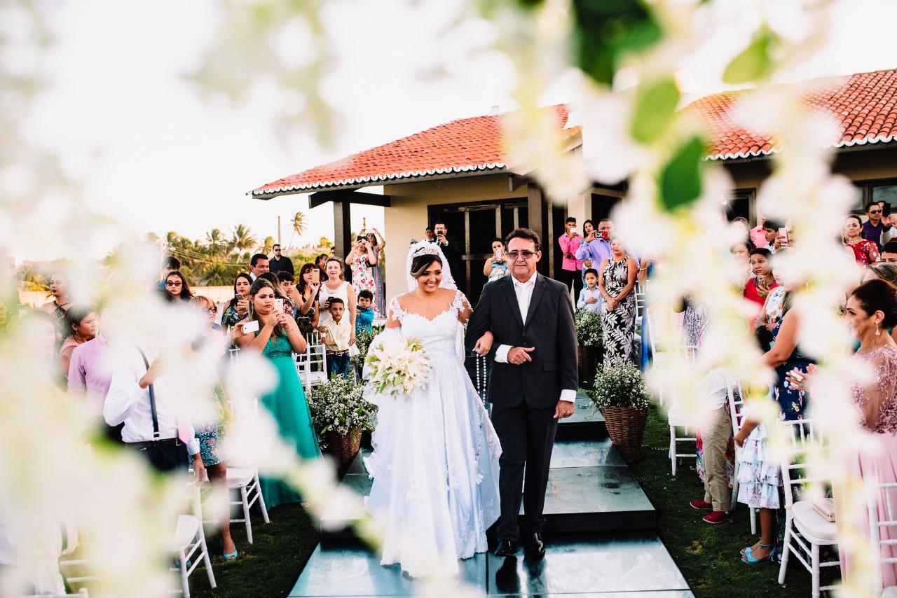 Paula e Igor ! um casamento ao ar livre, no final da tarde, em um jardim de frente para o mar!
