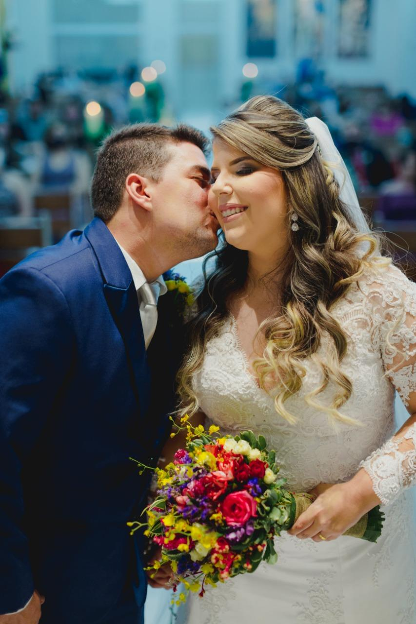 Casamento na igreja e recepção rústica cheia de significado em Teresina –  Bruna e Diego